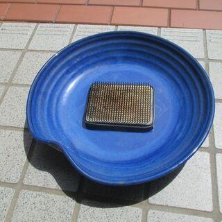 生け花 水盤と剣山
