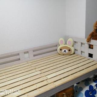 木製ベッド(3段ベッド中段)         ※引渡し先決定しました