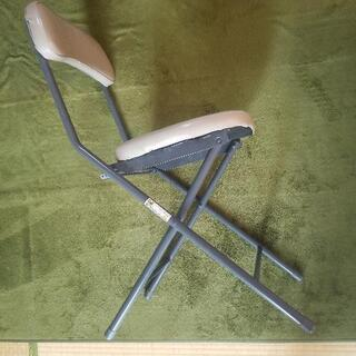 【差し上げます】ニトリ  折り畳みチェア