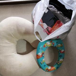 マタニティ服、授乳枕、子供便座