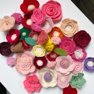 (受付終了)フェルトのお花、その他造花、リース台など色々