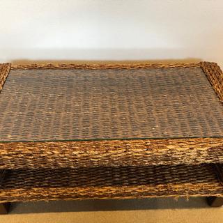 アジア風ガラステーブル