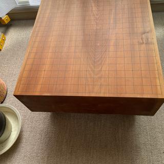厚い木の碁盤