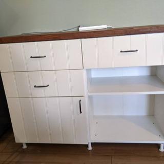 IKEA キッチンカップボード 食器棚