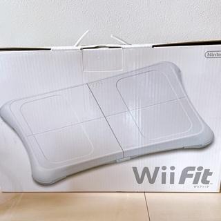 【値下げしました】中古 Wiifit 箱付き