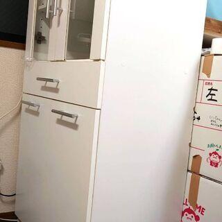 【急募】食器棚貰ってください!