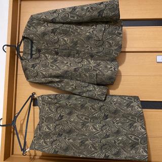 VANKNICOLE(バンニコル)ノーカラースーツ