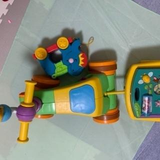 プーさん よくばりウォーカーライダーとおもちゃ