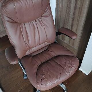 革の椅子!無料で差し上げます。