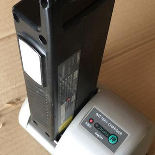 (旧) サンヨー 電動アシストのバッテリーと充電器 ジャンク - 熊本市
