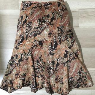 スカート サイズ64