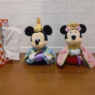 ミッキーマウス、ミニーマウスのぬいぐるみ