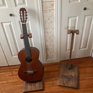 木製 ギター置き 2つ ※ギターなし