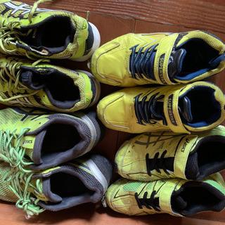 使い古した靴 子供用