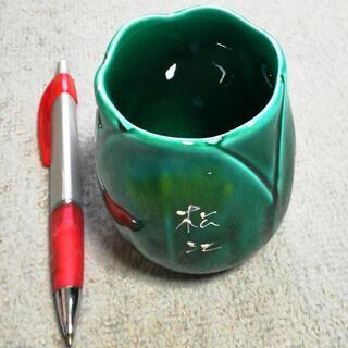 花瓶・鉛筆立てです、、、