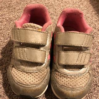 adidasアディダスの靴 US5.5サイズ