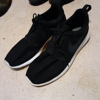 NIKE 黒デザインスニーカー👟26.5センチ 数回しか履…