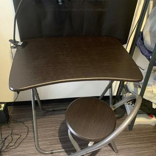 折り畳みテーブル・イス&デスクライト