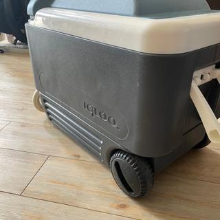 igloo クーラーBOX タイヤ付き