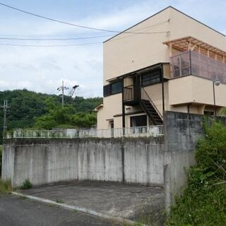 京都縦貫「京丹波みずほ」ICから車で5分の静かな別荘地。少人数な...