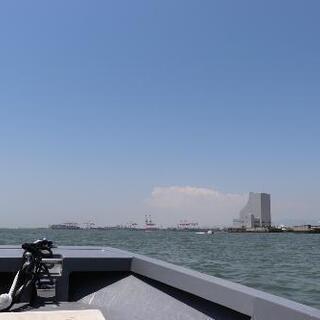 本日大阪港から船でクルージングします。