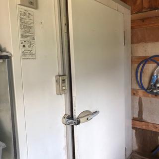 冷蔵保管庫 シャープ PCU-TN1000M