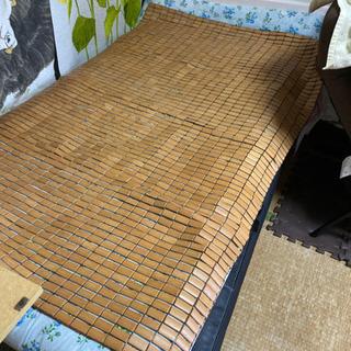 竹のベッドカバー?
