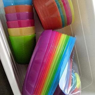 ikea(イケア)☆プラスチック食器セット(ケース付き)