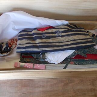 着物いろいろ桐箱入り売ります