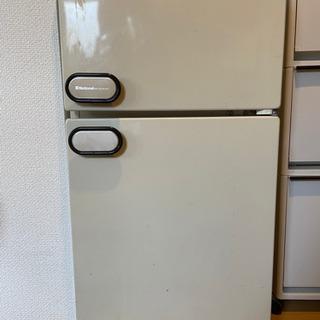 小型冷蔵庫 / Mini Fridge
