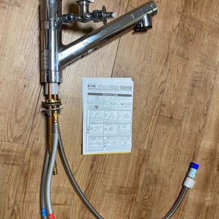 浄水器内蔵シングルレバー式シャワーと分岐器具付き