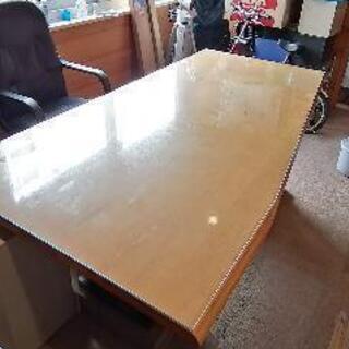 立派な天然木テーブル オフィス、趣味部屋などに!