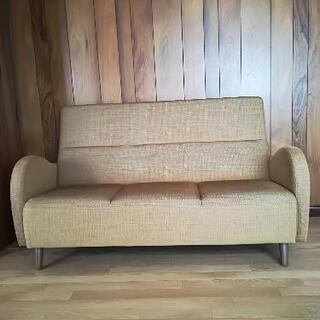 3人掛けデザインソファー