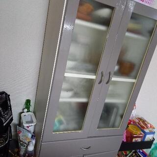 あげます。食器棚
