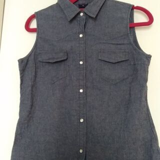 ちょっと前のユニクロのシャツ Mサイズ