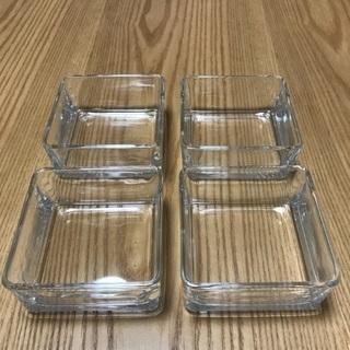 208、昭和レトロな四角いガラス小鉢 4個セット