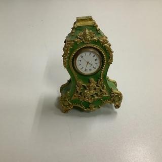 アンティークな置時計の小物【中古】