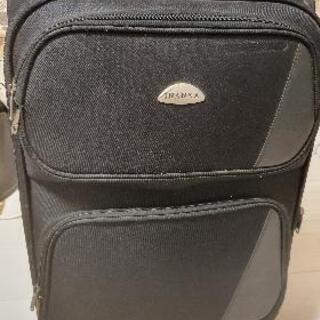 布製のスーツケース差し上げます