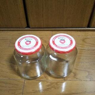 空き瓶 2個の画像