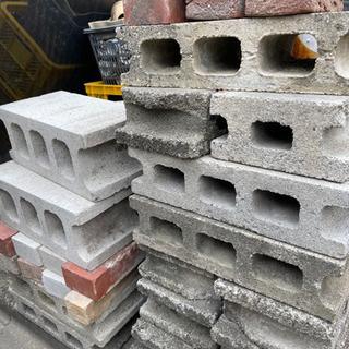 ブロックやレンガ複数
