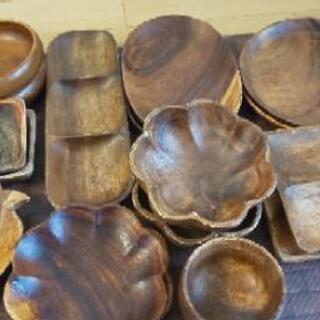 木のお皿達!