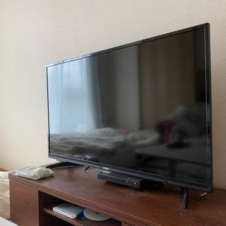 アイリスオーヤマの40インチTVとテレビボード