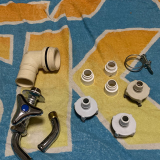 郵送可能、水道の蛇口、洗濯排水溝のL字のパーツ、蛇口からの…
