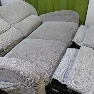ニトリ リベルタ リクライニング ソファの画像