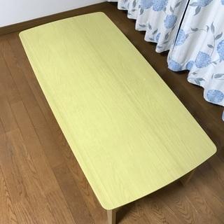 ニトリのローテーブルです。