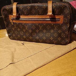 【ネット決済・配送可】ルイヴィトンのシテ ショルダーバッグ