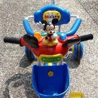 ミッキー おしゃべりカーゴ三輪車 ディズニー