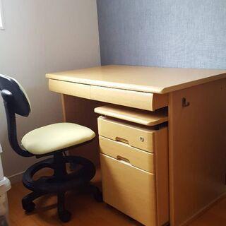 シンプルでお洒落。机!!