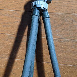 【カメラ三脚】コンパクト三脚 脚を変形可能 高さ薬30cm