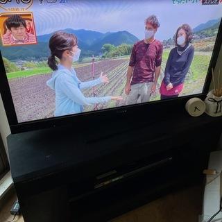 テレビ40インチ、オーディオデッキ、DVDプレーヤー